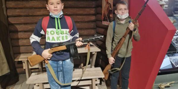 Ученики 169 школы посетили Музей-мемориал Великой Отечественной войны.